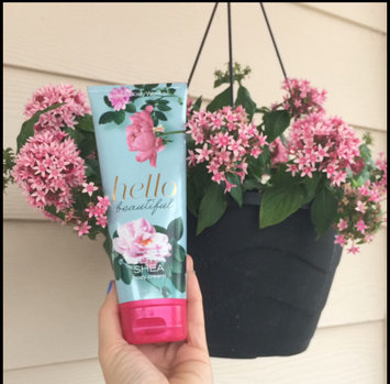 Photo of Bath & Body Works Hello Beautiful Ultra Shea Body Cream uploaded by Laura L.
