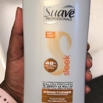 Photo of Suave® Sleek For Dry Or Frizzy Hair Conditioner uploaded by Pati R.