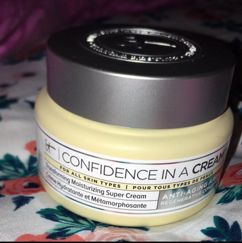 It Cosmetics Confidence in a Cream Transforming Moisturizing Super Cream uploaded by Amber P.