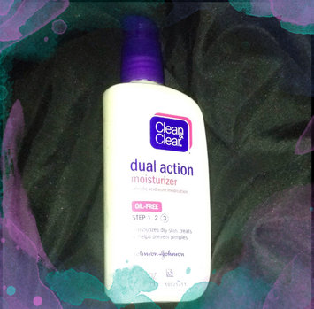 Photo of Clean & Clear Oil-Free Dual Action Moisturizer uploaded by Lacey L.