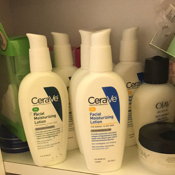 Photo of CeraVe Facial Moisturizing Lotion uploaded by sandi h.