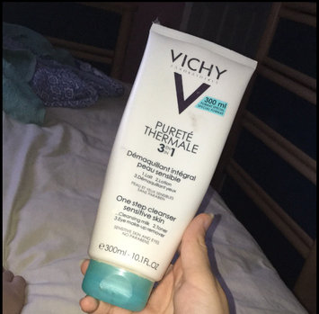 Photo of Vichy Purete Thermale 3 IN 1 One Step Cleanser 300 ml uploaded by Rania Z.