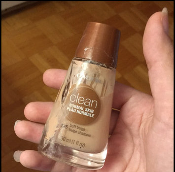 COVERGIRL Clean Liquid Makeup uploaded by Rania Z.