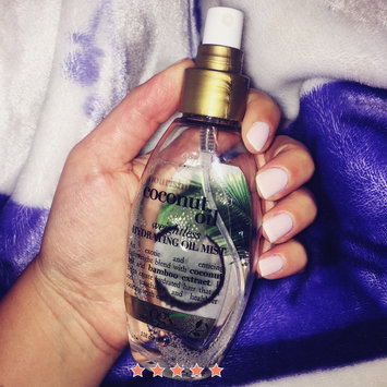 OGX® Coconut Oil Weightless Hydrating Oil Mist uploaded by Carla P.