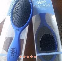 The Wet Brush Original Detangler uploaded by Rania Z.
