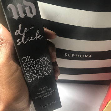 Urban Decay De-Slick Oil-Control Makeup Setting Spray uploaded by Dominique M.