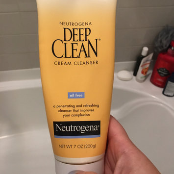 Photo of Neutrogena Deep Clean Cream Cleanser uploaded by Erin G.