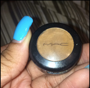 Photo of MAC Cosmetics MAC Studio Finish Concealer SPF 35 NW30 uploaded by Sharmaine E.