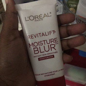 Photo of Revitalift L'Oréal Paris Miracle Blur Oil Free Instant Skin Smoother uploaded by Kelecine E.