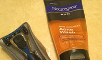 Neutrogena® Men Skin Clearing Acne Wash uploaded by Aracely M.