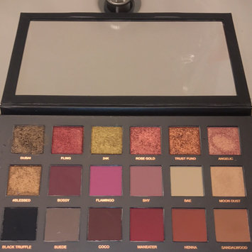Huda Beauty Textured Eyeshadows Palette Rose Gold Edition uploaded by Diandra K.
