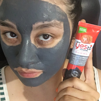 Photo of Yes To Tomatoes Skin Clearing Facial Mask uploaded by VyciousNelly O.