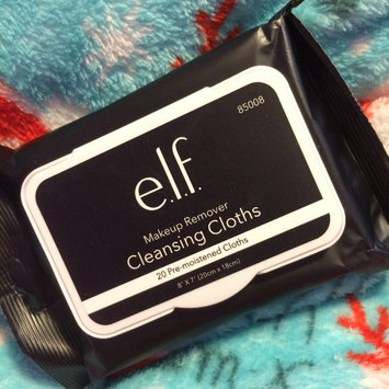 Photo of e.l.f. Makeup Remover Exfoliating Cleansing Cloths uploaded by Sammi Z.