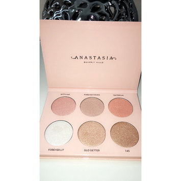 Anastasia Beverly Hills Nicole Guerriero Glow Kit uploaded by Cristal M.