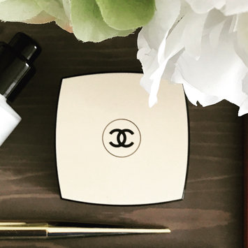 Photo of CHANEL Les Beiges, Gel Touch Healthy Glow Tint Broad Spectrum Spf 15 Sunscreen uploaded by Nadine C.