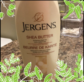 Photo of JERGENS® Shea Butter Deep Conditioning Moisturizer uploaded by Carolina K.