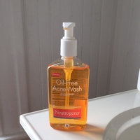 Neutrogena Oil-Free Acne Wash uploaded by Felicia C.