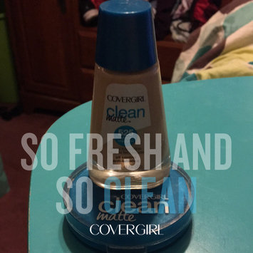Photo of COVERGIRL Clean Matte Pressed Powder uploaded by Amanda J.