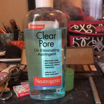 Photo of Neutrogena Clear Pore Oil-Controlling Astringent uploaded by Marlee F.