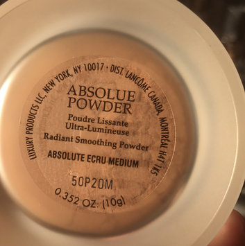 Photo of Lancôme Absolue Powder Radiant Smoothing Powder uploaded by Leticia B.