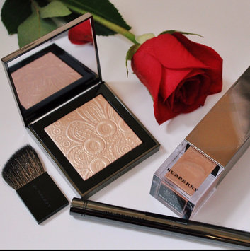 BURBERRY Fresh Glow Highlighter uploaded by Marisa B.