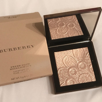 Photo of BURBERRY Fresh Glow Highlighter uploaded by Kirsty B.
