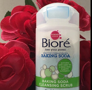 Photo of Bioré® Baking Soda Cleansing Scrub uploaded by H Y.