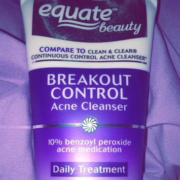 Photo of Equate Beauty Breakout Control Acne Cleanser uploaded by Slayahontas S.