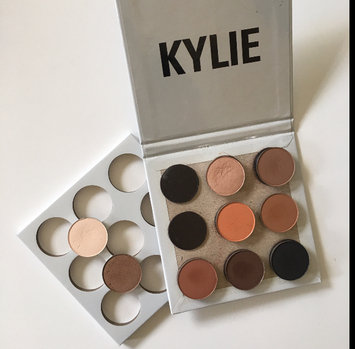Kylie Cosmetics The Bronze Palette Kyshadow uploaded by Catarina C.