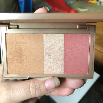Photo of Urban Decay Naked Flushed uploaded by Wendy C.