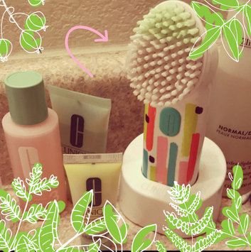 Photo of Clinique Cleansing by Clinique Sonic System Purifying Cleansing Brush uploaded by Nathália C.