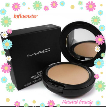 Photo of Mac Bronzing Powder uploaded by Marisol A.