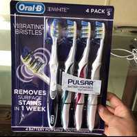 3D White Oral-B 3D White Luxe Pulsar 35 Soft Manual Toothbrush 4 Count uploaded by Jan G.