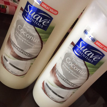 Photo of Suave Essentials Tropical Coconut Conditioner 30 oz uploaded by Diana Chanin S.