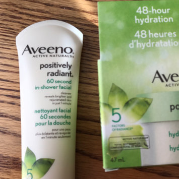 Photo of Aveeno® Positively Radiant 60 Second In-Shower Facial Cleanser uploaded by Ane K.
