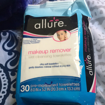 Photo of Allure Makeup Removal Wipes uploaded by Maria G.