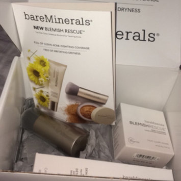 Photo of bareMinerals Blemish Rescue Skin-Clearing Loose Powder Foundation uploaded by Victoria O.