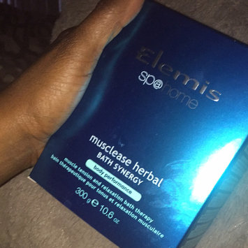 Photo of Elemis Invigorating Cal-Metab Plus Body    Enhancement Capsules uploaded by Gia W.