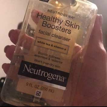 Photo of Neutrogena® Healthy Skin Boosters Facial Cleanser uploaded by Karel M.