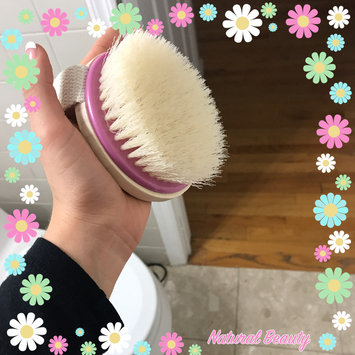 Photo of Eco Tools Dry Body Brush uploaded by Leidy Z.