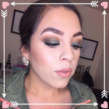 Photo of Milani Bella Eyes Gel Powder Eyeshadow uploaded by Joanna E.