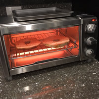 Black Decker Black & Decker TO1332SBD 4-Slice Toaster Oven, Silver uploaded by Hana S.