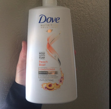 Photo of Dove Nutritive Solutions Peach Blast Conditioner uploaded by Brittney E.