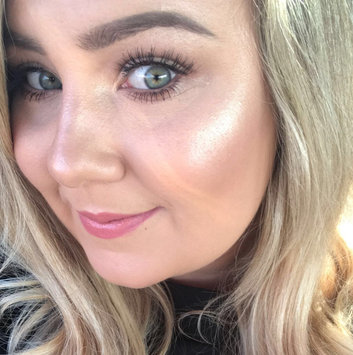 BECCA Shimmering Skin Perfector® Pressed Highlighter uploaded by JOJO W.