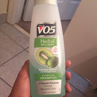 Alberto VO5 Herbal Escapes Clarifying Shampoo Kiwi Lime Squeeze uploaded by Zoë L.