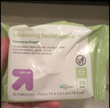 Photo of up & up 25 ct Wipe Basic Cleansing Facial Cleansing Wipes uploaded by Peyton P.