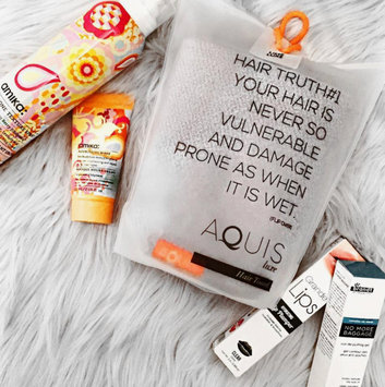 Photo of AQUIS Lisse Luxe Hair Towel uploaded by Amna K.