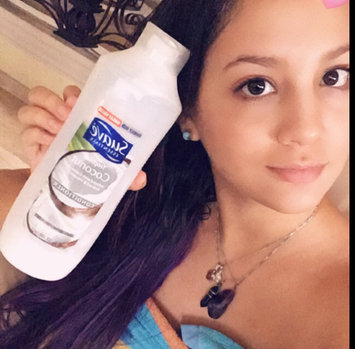 Photo of Suave Essentials Tropical Coconut Conditioner 30 oz uploaded by Marivi S.