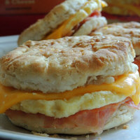 Jimmy Dean® Bacon, Egg & Cheese Biscuit Sandwiches 8 ct Box uploaded by McKayla B.