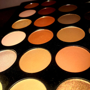 Photo of Morphe T35 Taupe Eyeshadow Pallet uploaded by A P.